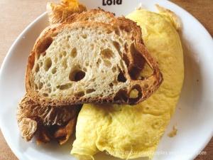 Lola Omelette - kinda pricey at around $15